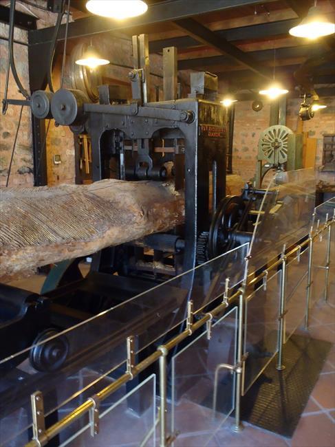 Photo Index - P  & W  MacLellan, Ltd  - up and down sawmill
